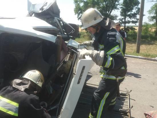 22 червня о 11:05 до Служби порятунку «101» надійшло повідомлення про дорожньо-транспортну пригоду на вул. Знам'янське шосе у м. Олександрія.