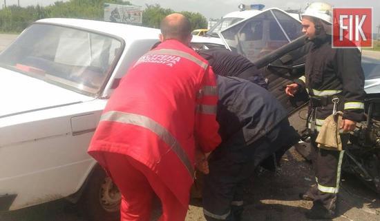 27 липня о 14:22 до Служби порятунку «101» надійшло повідомлення про дорожньо-транспортну пригоду поблизу смт Олександрівка.