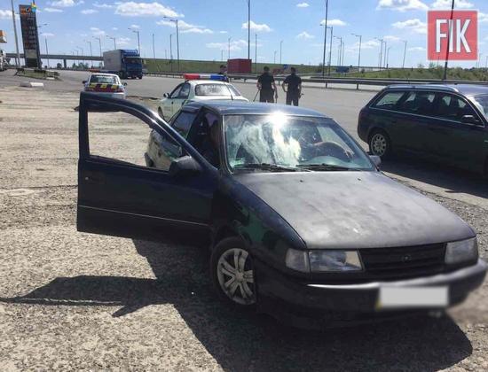 Автомобіль «OPEL Vectra», під керуванням 29-річного мешканця Кіровоградської області, за порушення правил дорожнього руху поліцейські роти реагування патрульної поліції зупинили на 247 кілометрі автодороги «Київ-Одеса» у Благовіщенському районі.