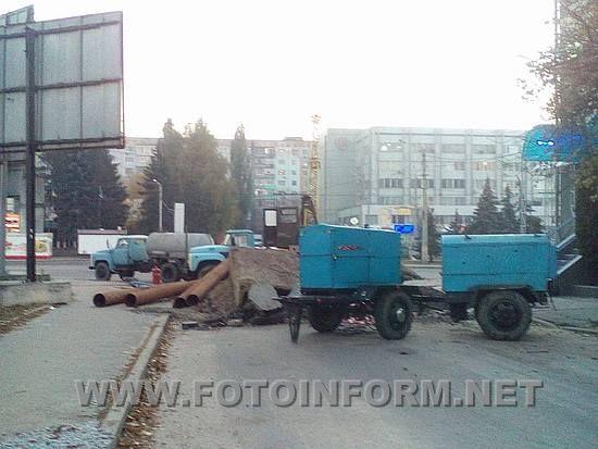 Сегодня, 28 октября, на углу улиц Преображенской и Черновола было перекрыто движение транспорта.