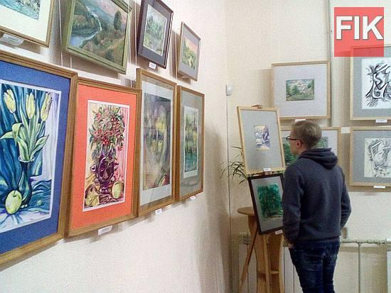 В областном художественном музее отрылась выставка работ художницы, отличника образования Украины Ирины Зантарий и ее учеников.