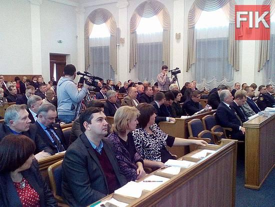 Сегодня,23 декабря, в Кировоградском областном совете проходит заседание восьмой сессии.