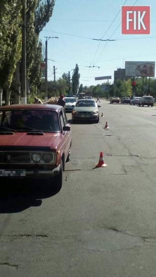 Водій Део Ланос не дотримався безпечної дистанції та скоїв зіткнення з авто ВАЗ 21063.