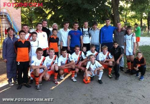 Похід кіровоградських футболістів до дитячого будинку Барвінок (фото)
