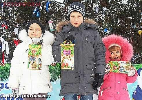 Кіровоград: у Дендропарку відбулося відкриття новорічної ялинки (фото)