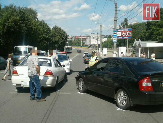 У Кропивницькому на перехресті вулиць В.Пермська та В.Перспективна сталася ДТП.