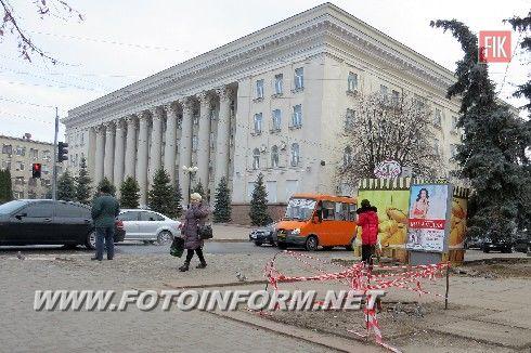 Іван Марковський: ті, хто намагалися незаконно встановити рекламний засіб у Центральному сквері, самостійно його і приберуть