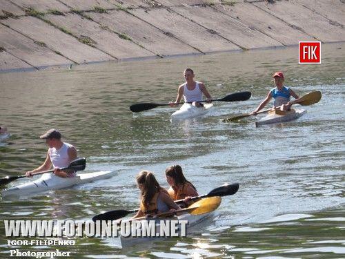 Кировоград: по Ингулу массово поплыли лодки