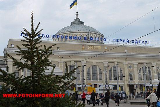 Традиційно навесні на Одеській магістралі активно проходять підготовчі роботи з благоустрою та озеленення територій, що прилягають до об'єктів залізничної інфраструктури.