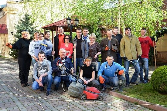 16 квітня 2016 року одеські залізничники провели День довкілля, продовжуючи добру традицію проведення заходів з озеленення та благоустрою.
