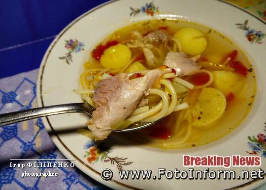 Вкусный суп с помидорами и вермишелью, кулинара Игоря Филипенко из города Кропивницкий,