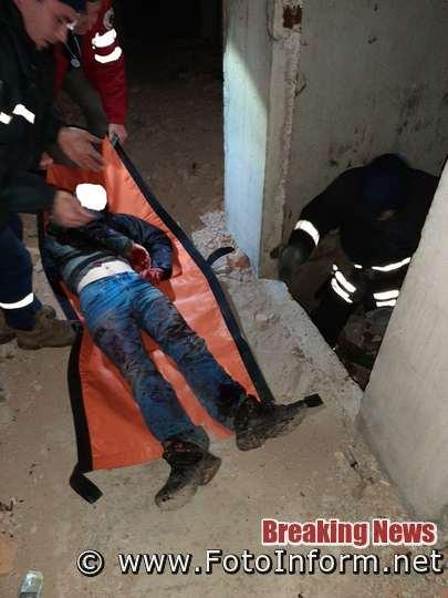 У Кропивницькому чоловік впав в шахту ліфту