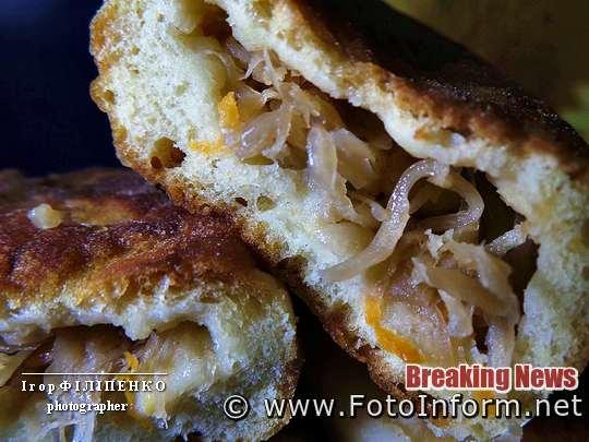 Быстро и вкусно: ароматные пирожки с капустой, фото игоря филипенко, фуд фотограф, фотожурналист, фотоифнорм, пирожки с капустой