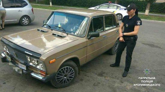 Кропивницький: на вулиці Куроп'ятнікова угнали автівку