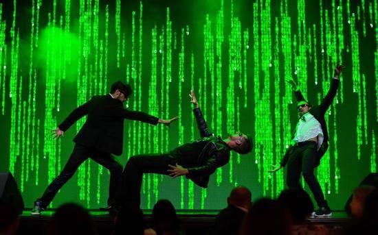Роман Бондарчук в Киеве представил яркое Magic Show.