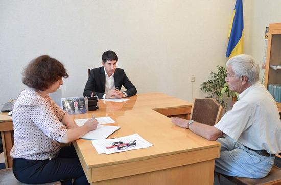 Сьогодні до голови облдержадміністрації за допомогою у вирішенні нагальних питань звертались в основному заявники із Кропивницького, а також Голованівського району.