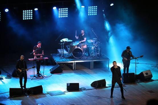 Популярний український рок-гурт фінішував зі своїм ювілейним туром «15 років разом», який охопив 25 міст України, а також США, Канаду та Іспанію.