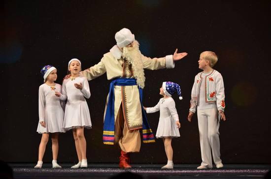Вихованці обласного ЦДЮТ подарували дітям кропивницьких військових фантастичну виставу (ФОТО)
