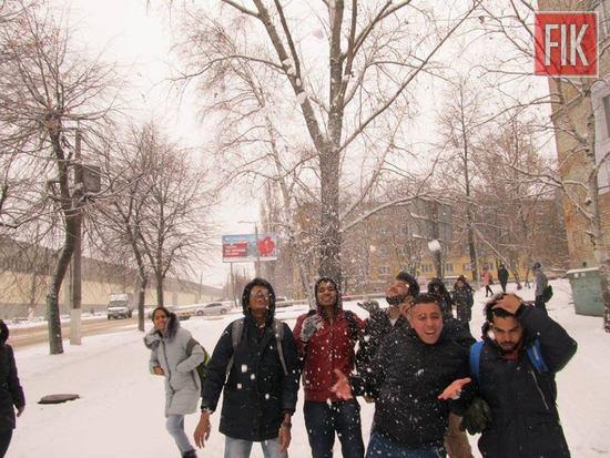 У Кропивницькому іноземні студенти ДНМУ побували на екскурсії зимовим містом (ФОТО)