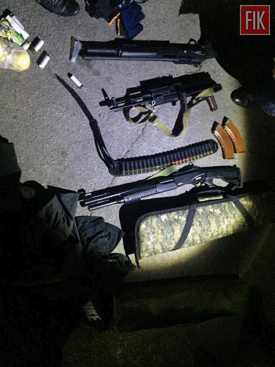 У Кропивницькому працівниками поліції зупинено транспортні засоби, в яких перебували громадяни зі зброєю (ФОТО)