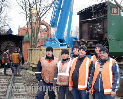 Одеські залізничники взяли активну участь у переносі експонату «Бронепоїзда» Меморіалу героїчної оборони Одеси 411 берегової батареї.