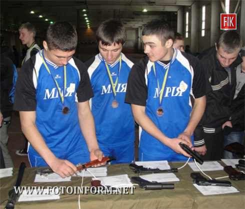 2013 рік Президентом України оголошено роком дитячої творчості. Тож працівники міліції Кіровоградщини ініціювали проведення спортивно-розважальних заходів під символічною назвою «Крок надії».