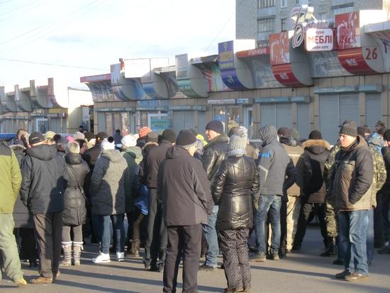 У Кропивницькому підприємці перекривали рух транспорту по вулиці Академіка Тамма (ФОТО)