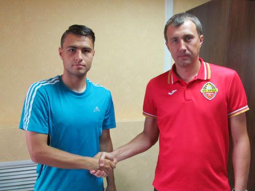 Кропивницька «Зірка» поповнила свій склад ще одним гравцем. «Зірка» та київське «Динамо» підписали договір оренди півзахисника Євгена Чумака.