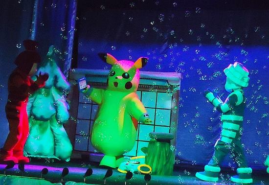 З успіхом проходять новорічні програми з виставою «Чу-чу-чу! Бережіться Пікачу» Н.Педько у Кіровоградському академічному обласному театрі ляльок.