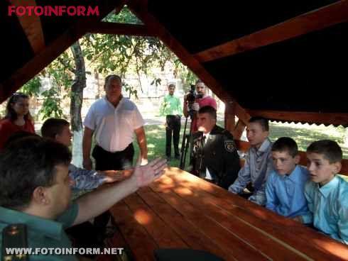 Керівництво ДПтС в Кіровоградській області завітали до Новопразької школи-інтернат (фото)
