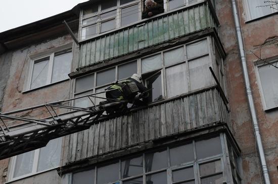 У Кропивницькому щоб потрапити до хворої літньої жінки прийшлося викликати рятувальників