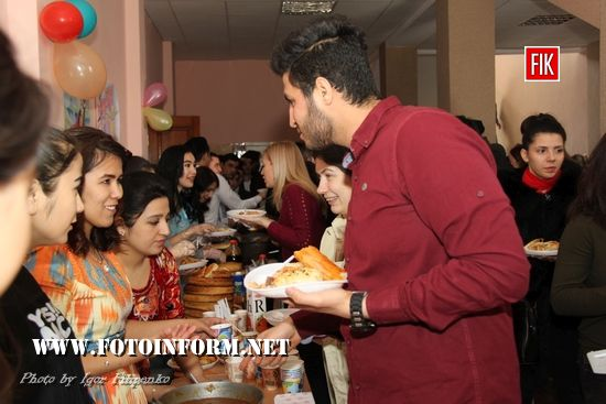 Узбецькі студенти у Кропивницькому відсвяткували Навруз (ФОТО,ВІДЕО) - Новини на FotoInform.net