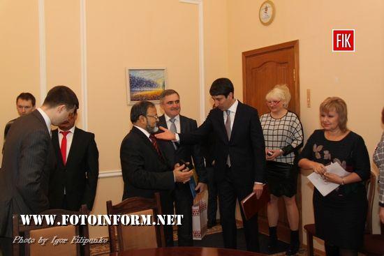 Кропивницькому Манодж Кумар Бхарті та Сергій Кузьменко, фото Игоря Филипенко