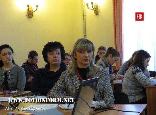 Сьогодні відбулася звітна прес-конференція керуючої справами виконавчого комітету міськради Альвіни Бондаренко, зокрема мова йшла про те, чим займалися міські посадовці у минулому році та що робитимуть у цьому.