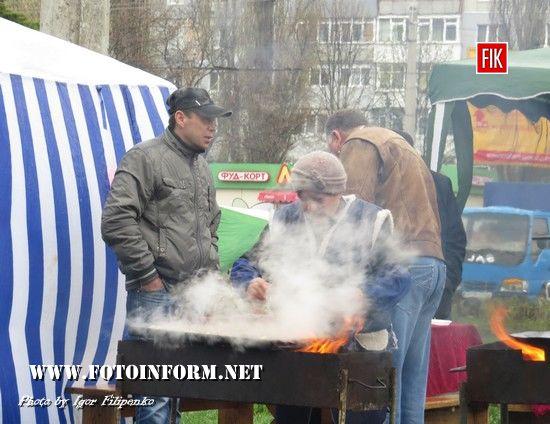 У Кропивницькому незважаючи на дощову погоду відбувся ярмарок (фоторепортаж)
