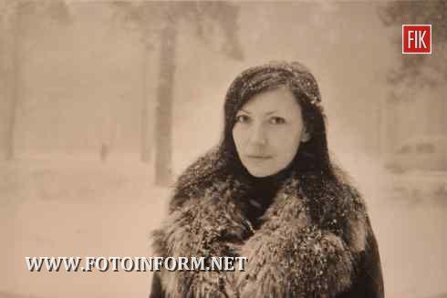 Кіровоград: фотовиставка Олександра Глядєлова «+Жінка = Життя» (фото)