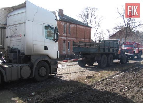 За минулу добу пожежно-рятувальні підрозділи Кіровоградської області відбуксирували 5 автомобілів, які опинились на ускладнених відрізках дороги.