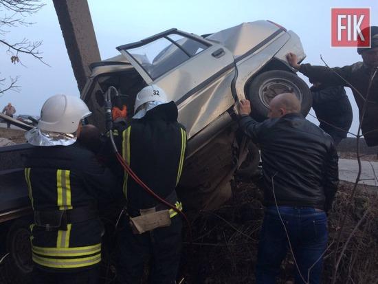 8 березня о 16:50 до служби порятунку «101» надійшло повідомлення про те, що на автошляху Петрове-Луганка сталась дорожньо-транспортна пригода та потрібна допомога по визволенню травмованого чоловіка із автомобіля ЗАЗ «Славута».