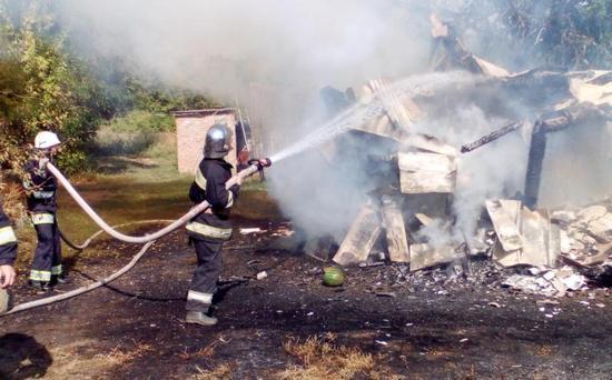 Впродовж минулої доби рятувальники Кіровоградщини тричі залучались на гасіння пожеж будівель нежитлового призначення.