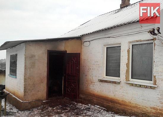 5 січня о 09:34 до Служби порятунку «101» надійшло повідомлення про пожежу на території приватного домоволодіння у с. Бруківка Устинівського району.