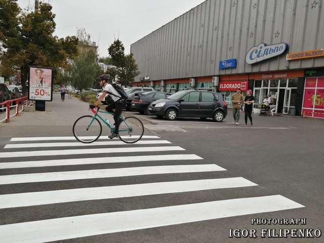 Фото игоря филипенко, Кропивницький: у центрі облаштували новий пішохідний перехід