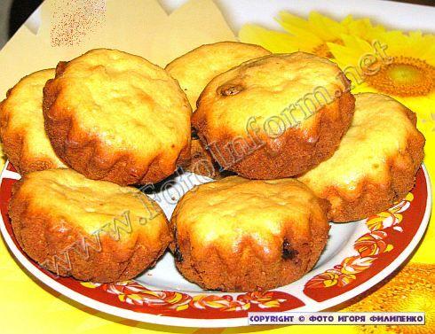 Нежная, румяная и хрустящая корочка, вкус творога и кокосовой стружки – все это о творожном кексе.