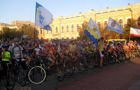 """""""Спорт для всіх єднає Україну!"""" - наймасовіший велопробіг Європи на Кіровоградщині! (ФОТО)"""