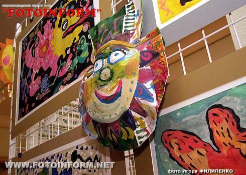 «Новорічне диво» у художньому музеї (ФОТО)