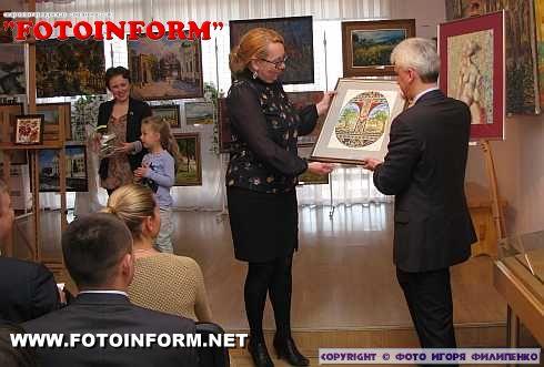 На Четвертому Великодньому Аукціоні продано тридцять картин і зібрано 96 200 гривень! (ФОТО)