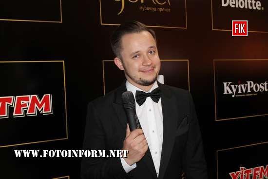 Телеведучий, шоумен, ведучий червоної доріжки Національної премії «YUNA» Артем Гагарін