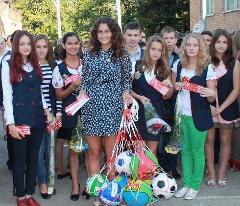 Віталій Кличко подарував спортивний інвентар учням 229 шкіл Кіровоградщини (фоторепортаж)