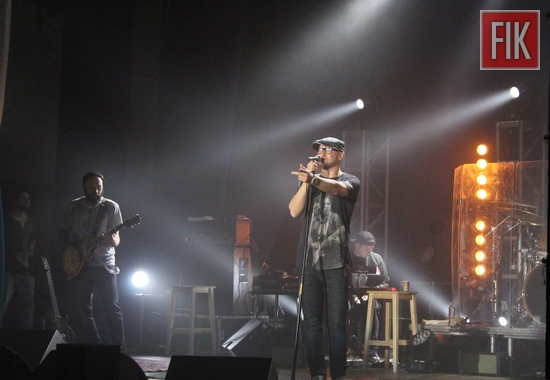 Фронтмен гурту «Бумбокс» Андрій Хливнюк під час свого перебування у Кропивницькому поспілкувався з журналістами місцевих ЗМІ.