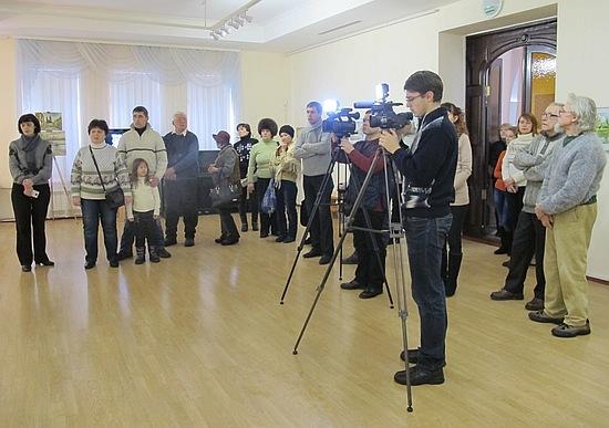 12 січня 2017 року у Кіровоградському обласному художньому музеї відбулося відкриття виставки творів художника-земляка Юрія Ботнара «Пам'яті митця» (1949-2016).