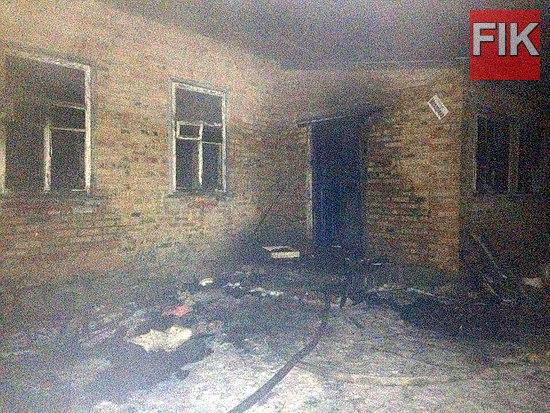 20 грудня о 17:44 до Служби порятунку «101» надійшло повідомлення від жительки с. Криничувата Устинівського району про пожежу житлового будинку.